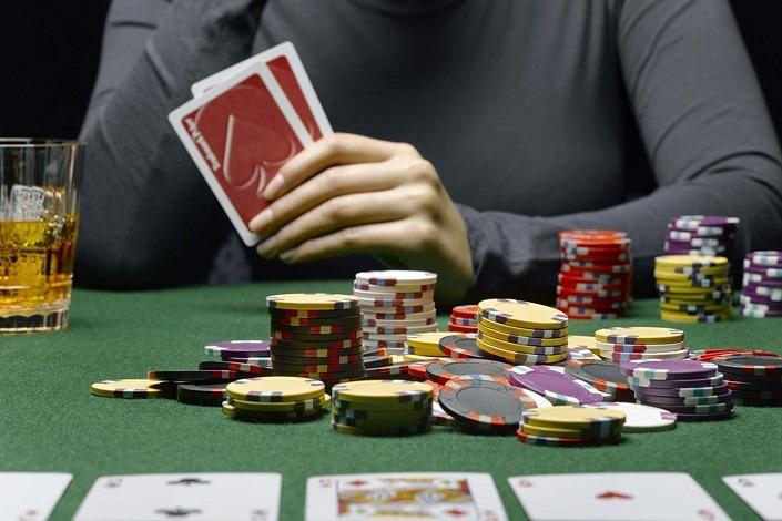 Онлайн покер без реальных денег приложение казино онлайн на андроид