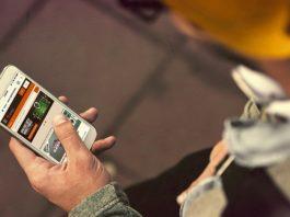 Игра на телефоне
